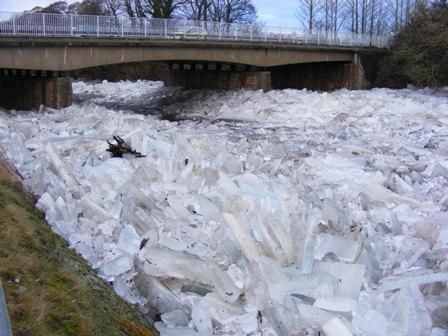 Ice below A77