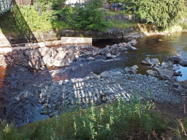 A revised flow arrangement more in keeping with the discussions at the pre works site meeting. Fish passage was restored and the full flow allowed to run overnight through this stretch of river.