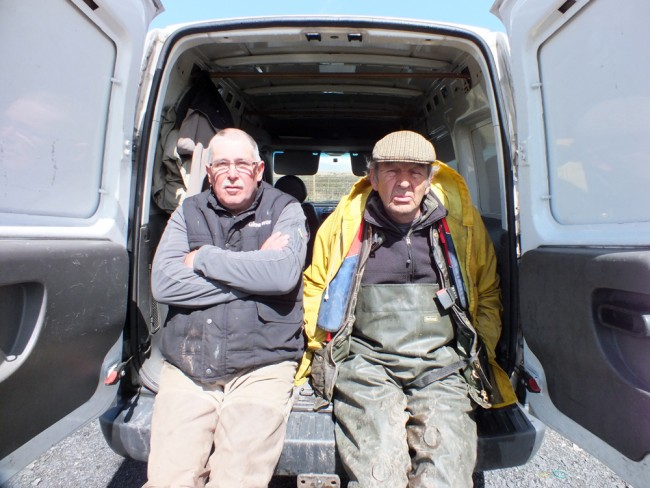 These cheery chaps were happy to get stuck in and delivered between 2 and 300 trout to their new homes.