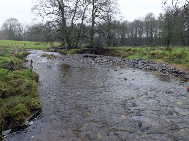 This are was successfully protected and deposition has occurred against a rapidly eroding bank, thereby protecting it from further damage. In time this area will vegetate and stabilise.